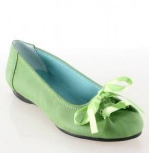 Fıstık yeşili renginde topuklu bayan babet