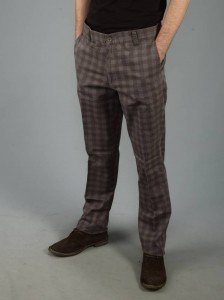 Kareli matematik defteri desenli kahverengi erkek pantolon