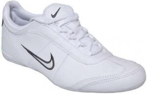 Siyah nike logolu pamuk kalıplı beyaz ayakkabı