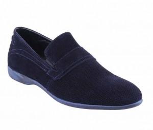 Yazlık delikli kunduraya benzer spor ayakkabı