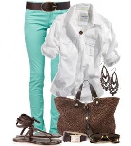 Cırtlak mavi renkli pantolon,gömlek ve çanta kombin modeli