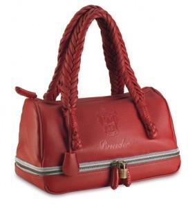 Fermuar ile büyültülüp küçültülen bayan kırmızı çanta