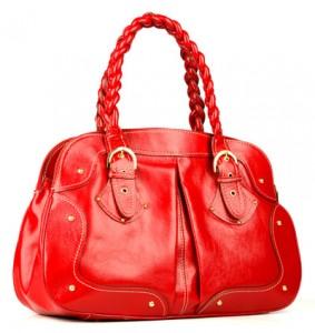 Parlak deri kırmızı renkte güzel bayan çanta